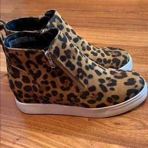 Leopard heel size 8.5
